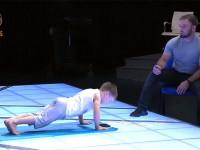 6 éves kisfiú az új fekvőtámasz rekorder