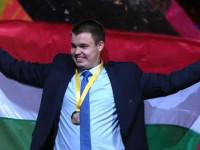 Simon Krisztián bútorasztalos megnyerte a szakmák világversenyét.