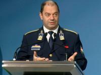 vonalban: Lakatos Tibor rendőr ezredes, az operatív törzs ügyeleti központjának vezetője